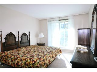 """Photo 9: 203 12148 224TH Street in Maple Ridge: East Central Condo for sale in """"THE PANORAMA BY E.C.R.A."""" : MLS®# V1045485"""