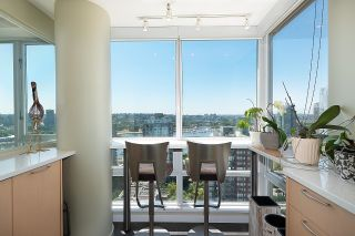 """Photo 9: 2701 1201 MARINASIDE Crescent in Vancouver: Yaletown Condo for sale in """"The Peninsula"""" (Vancouver West)  : MLS®# R2602027"""