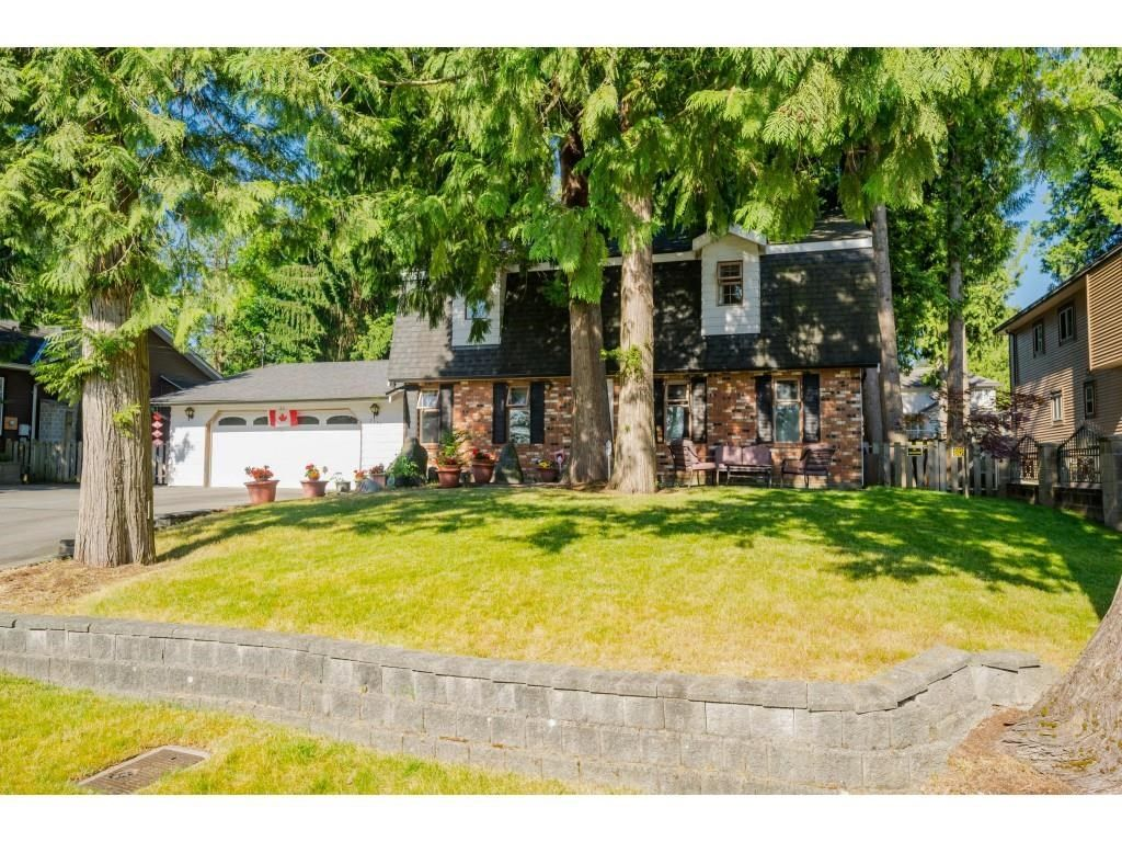 Main Photo: 7755 148 Street in Surrey: East Newton House for sale : MLS®# R2595905
