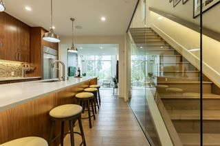 Photo 9: 10947 90 Avenue in Edmonton: Zone 15 House for sale : MLS®# E4249148