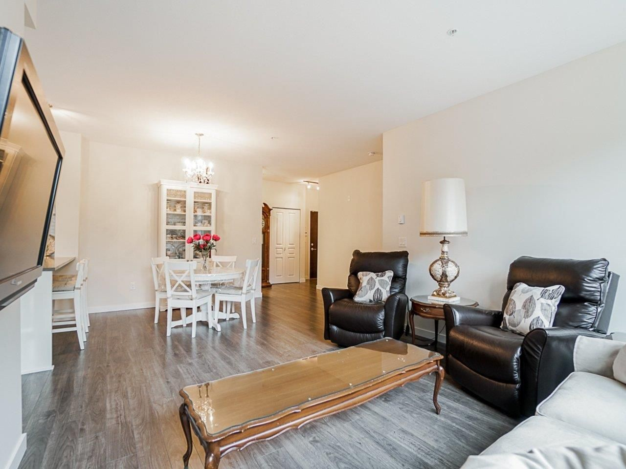 Photo 10: Photos: 108 1151 WINDSOR Mews in Coquitlam: New Horizons Condo for sale : MLS®# R2500299
