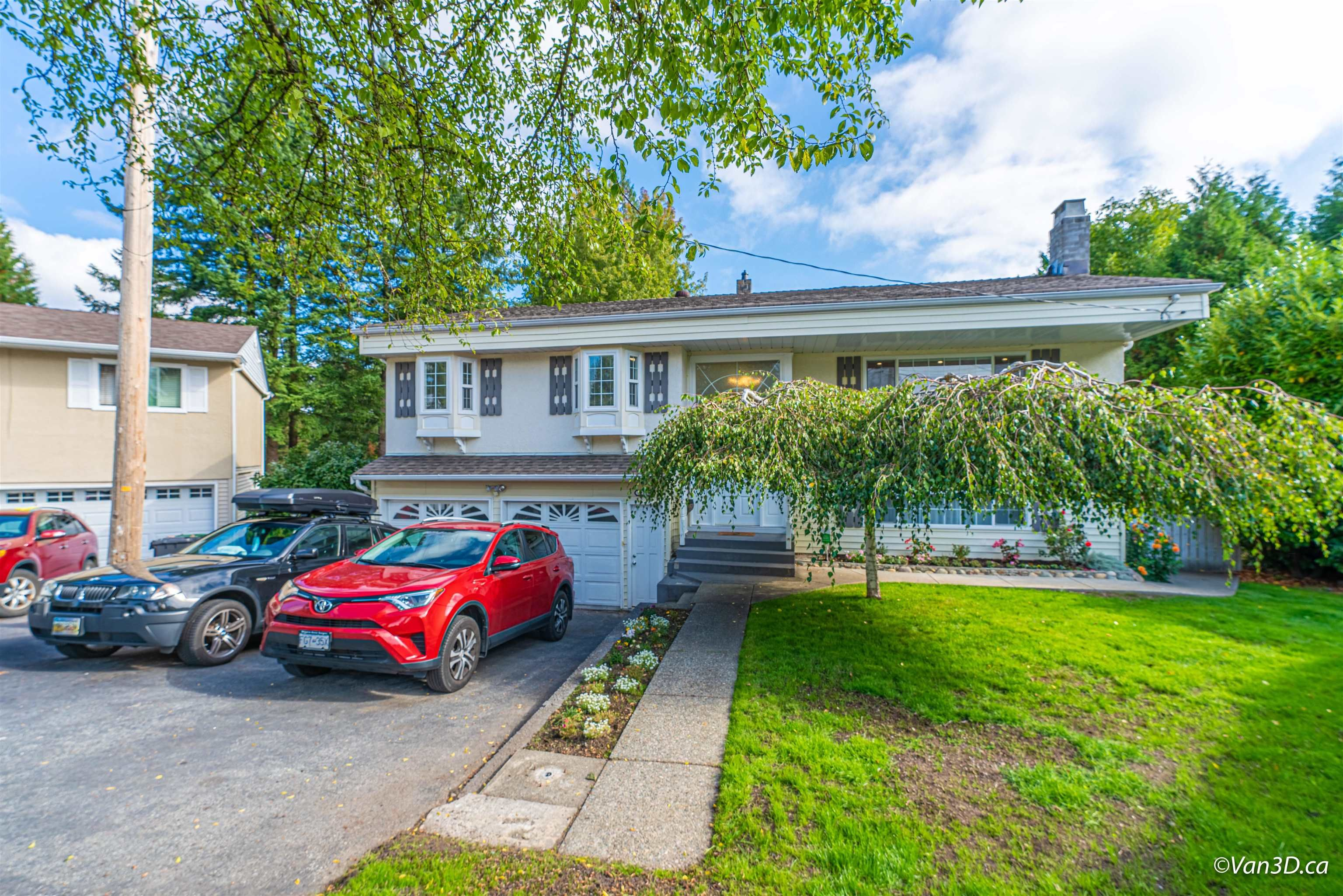 Main Photo: 2124 ELSPETH Place in Port Coquitlam: Mary Hill House for sale : MLS®# R2621138