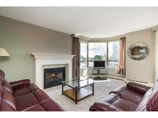 """Photo 4: 812 15111 RUSSELL Street: White Rock Condo for sale in """"PACIFIC TERRACE"""" (South Surrey White Rock)  : MLS®# R2593508"""