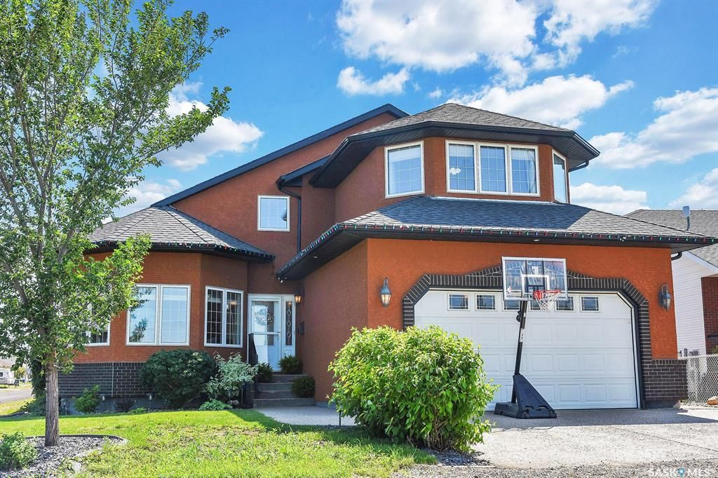 Main Photo: 501 Saskatchewan Avenue in Grand Coulee: Residential for sale : MLS®# SK818591