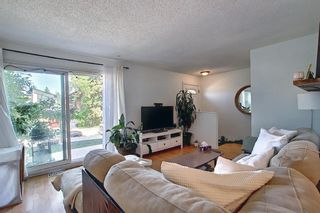 Photo 5: 3505 43 Street SW in Calgary: Glenbrook Row/Townhouse for sale : MLS®# A1122477