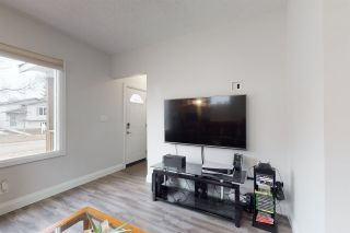 Photo 4: 11705 92 Street in Edmonton: Zone 05 House for sale : MLS®# E4256864