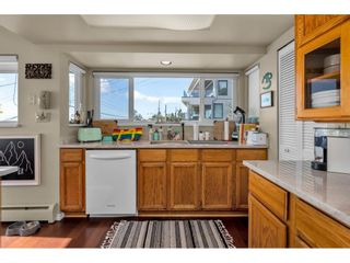 """Photo 32: 1324 HIGH Street: White Rock House for sale in """"West Beach"""" (South Surrey White Rock)  : MLS®# R2540194"""