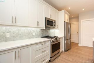 Photo 18: 1037 Sandalwood Crt in VICTORIA: La Luxton House for sale (Langford)  : MLS®# 827604