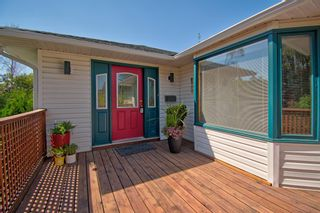 Photo 4: 2404 9 Avenue NW in Calgary: West Hillhurst Detached for sale : MLS®# A1134277