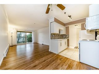 """Photo 5: 405 715 ROYAL Avenue in New Westminster: Uptown NW Condo for sale in """"Vista Royale"""" : MLS®# R2328335"""