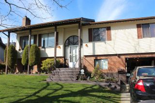 Photo 1: 3743 BALSAM Crescent in Abbotsford: Central Abbotsford House for sale : MLS®# R2549827