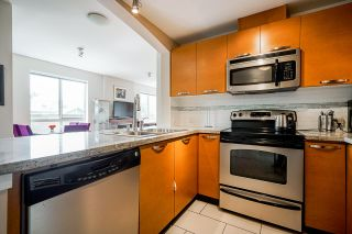 Photo 6: 302 7428 BYRNEPARK WALK in Burnaby: South Slope Condo for sale (Burnaby South)  : MLS®# R2458762
