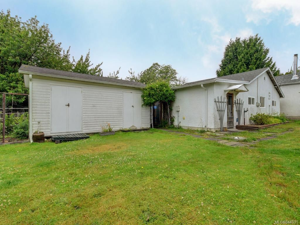 Photo 14: Photos: 1972 Murray Rd in Sooke: Sk Sooke Vill Core House for sale : MLS®# 844031