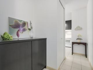 """Photo 3: 408 7368 SANDBORNE Avenue in Burnaby: South Slope Condo for sale in """"MAYFAIR 1"""" (Burnaby South)  : MLS®# R2380990"""