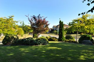 Photo 3: 2305 139A Street in Chantrell Park: Home for sale : MLS®# f1317444
