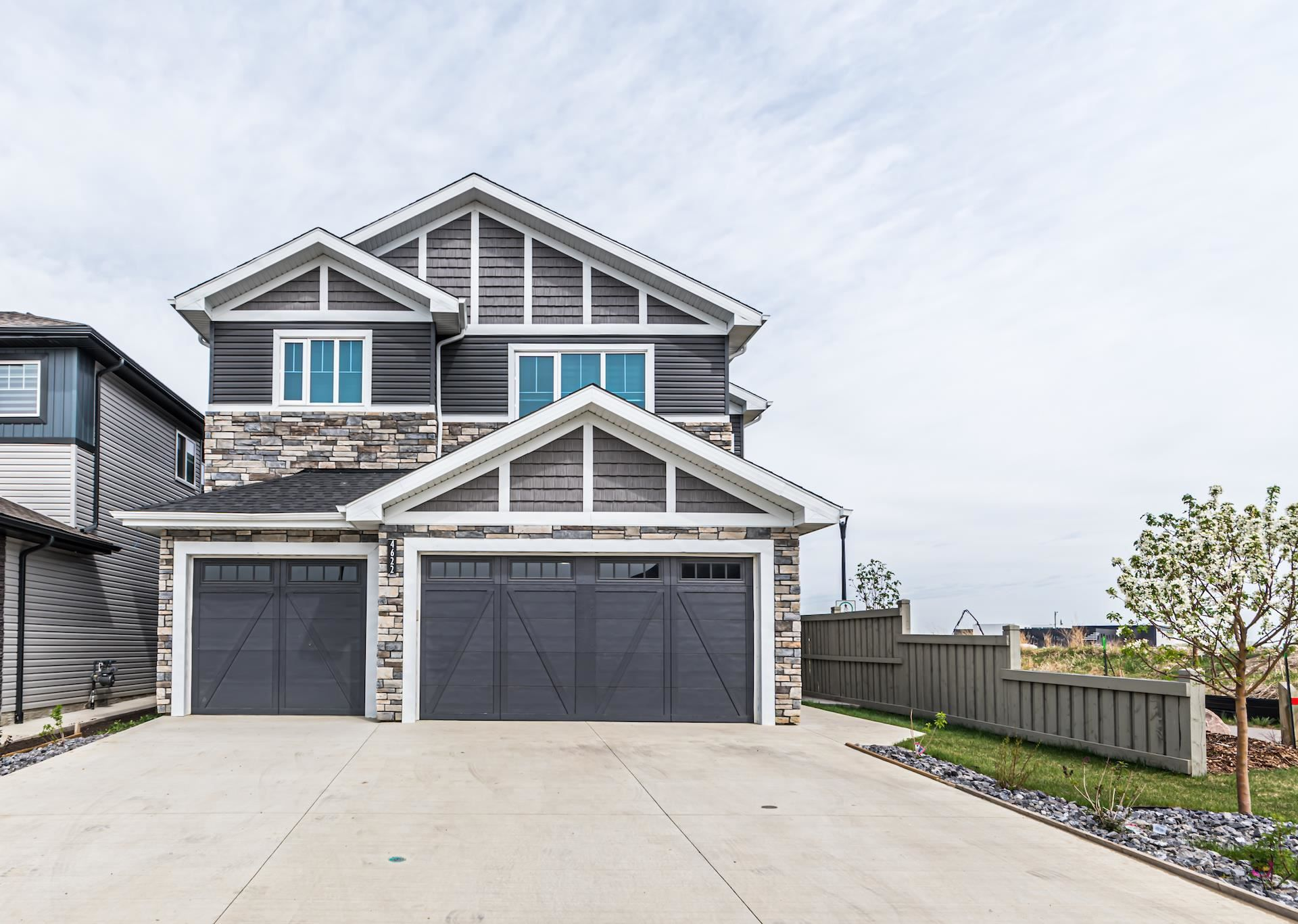 Main Photo: 4622 CHARLES Way in Edmonton: Zone 55 House for sale : MLS®# E4245720