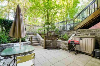 """Photo 3: 54 6878 SOUTHPOINT Drive in Burnaby: South Slope Townhouse for sale in """"CORTINA"""" (Burnaby South)  : MLS®# R2580296"""