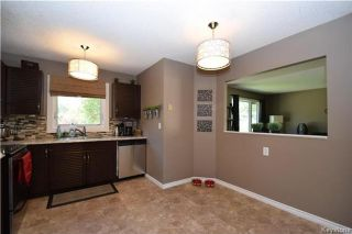 Photo 6: 107 Pinetree Crescent in Winnipeg: Riverbend Residential for sale (4E)  : MLS®# 1716061