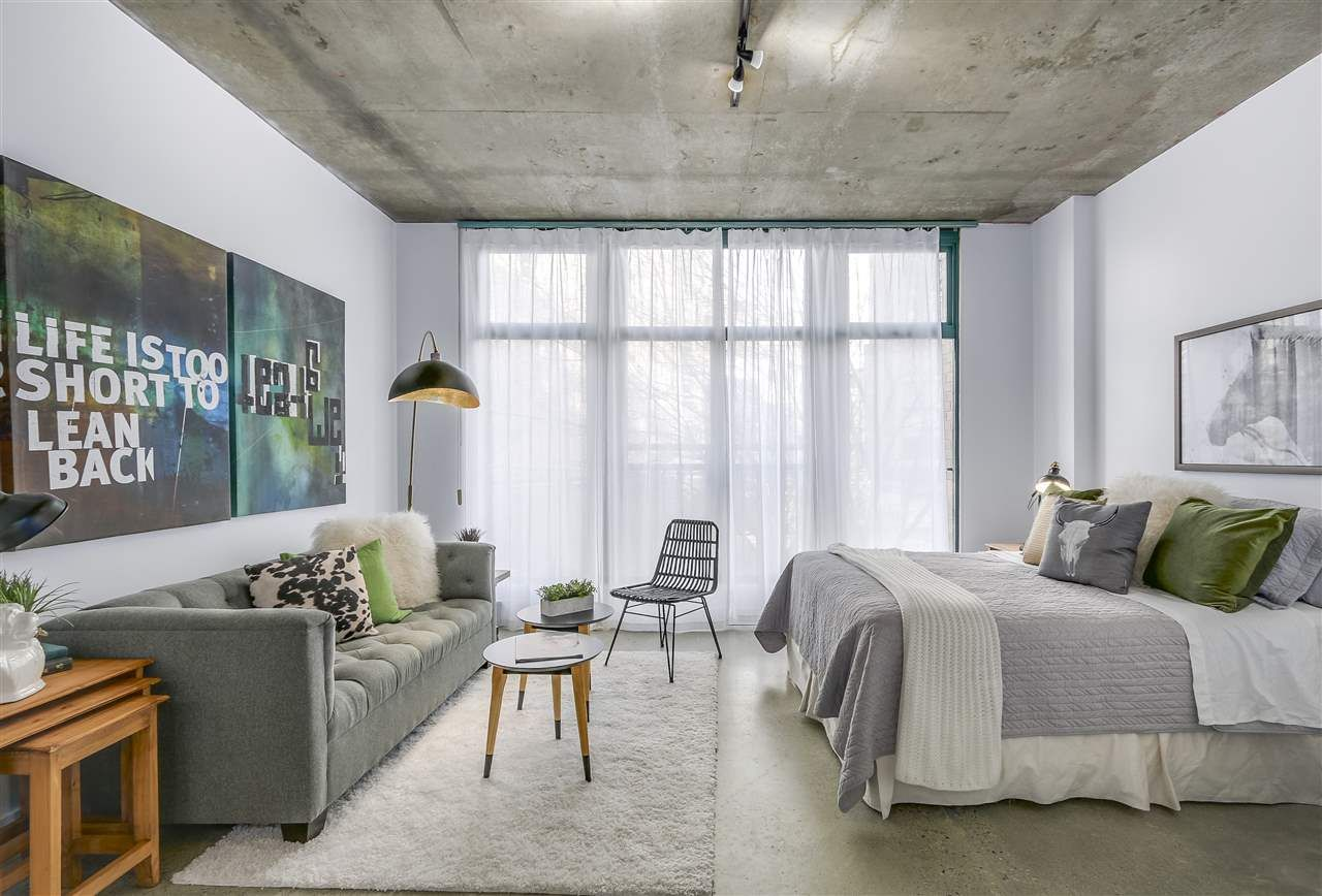 """Main Photo: 209 22 E CORDOVA Street in Vancouver: Downtown VE Condo for sale in """"Van Horne"""" (Vancouver East)  : MLS®# R2252419"""