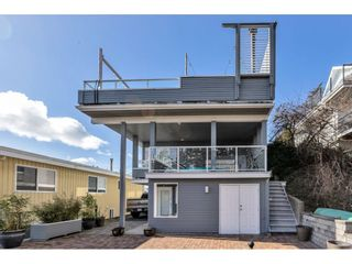"""Photo 3: 1324 HIGH Street: White Rock House for sale in """"West Beach"""" (South Surrey White Rock)  : MLS®# R2540194"""