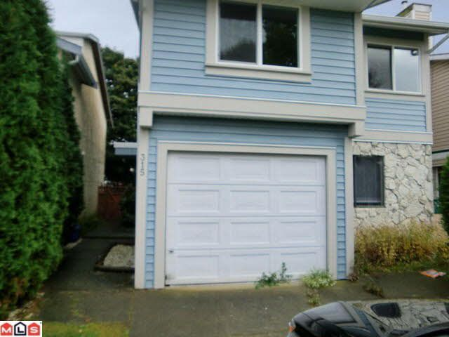 Main Photo: 315 NICHOLAS CRESCENT in : Aldergrove Langley House for sale : MLS®# F1226019