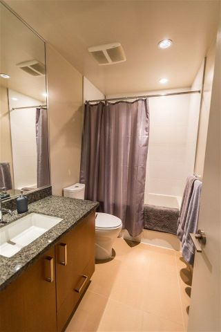 Photo 16: 1605 3008 GLEN DRIVE in Coquitlam: North Coquitlam Condo for sale : MLS®# R2221293