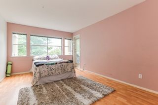 """Photo 15: 301 22722 LOUGHEED Highway in Maple Ridge: East Central Condo for sale in """"Marks Place"""" : MLS®# R2381095"""