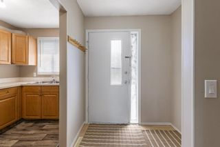 Photo 6: 84 2511 38 Street NE in Calgary: Rundle Row/Townhouse for sale : MLS®# A1115579