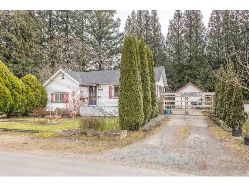 FEATURED LISTING: 46074 CLEVELAND Avenue Chilliwack