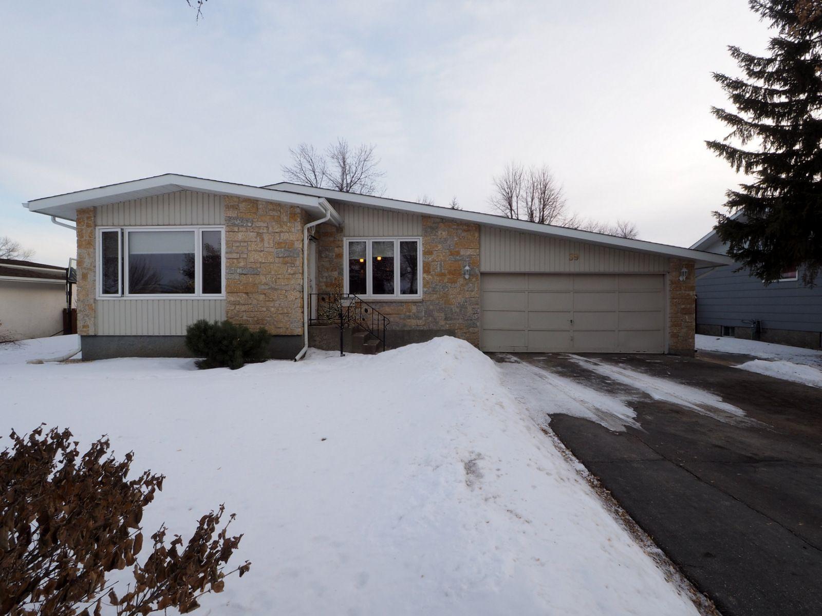 Main Photo: 39 Radisson Avenue in Portage la Prairie: House for sale : MLS®# 202104036