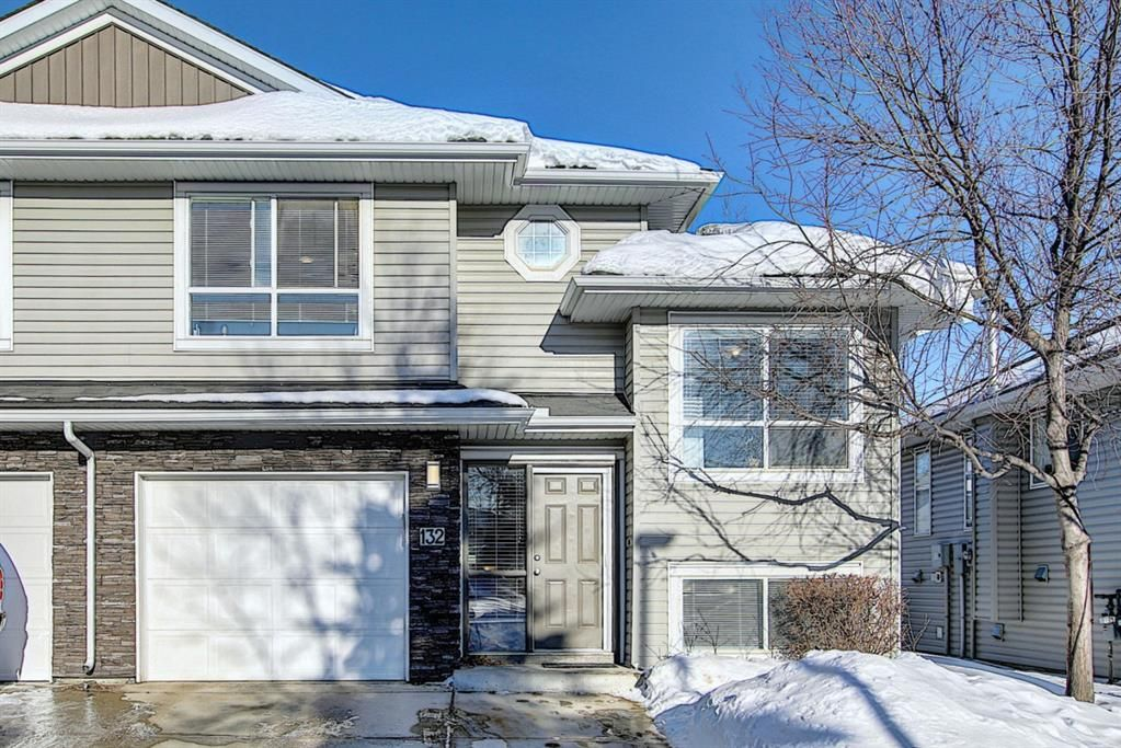 Main Photo: 132 55 Fairways Drive NW: Airdrie Semi Detached for sale : MLS®# A1056705