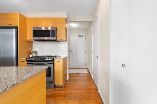 "Photo 12: 701 2483 SPRUCE Street in Vancouver: Fairview VW Condo for sale in ""SKYLINE ON BROADWAY"" (Vancouver West)  : MLS®# R2576030"