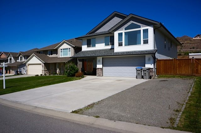Clean, modern home ready for quick possession in Batchelor Heights, Kamloops, BC