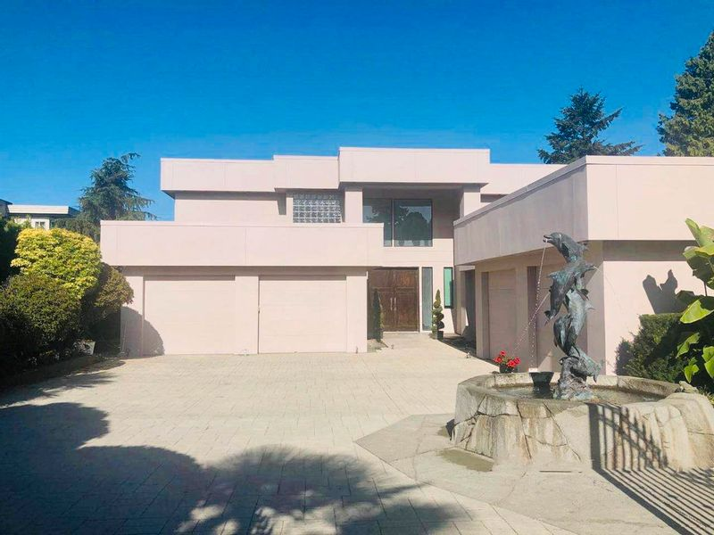 FEATURED LISTING: 225 ENGLISH BLUFF Road Delta