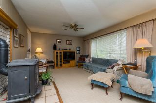 Photo 3: 932 240 Street in Langley: Otter District House for sale : MLS®# R2232971