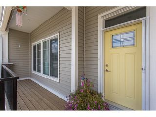 """Photo 2: 8615 CEDAR Street in Mission: Mission BC Condo for sale in """"Cedar Valley Row Homes"""" : MLS®# R2199726"""