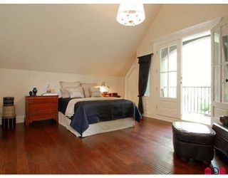 Photo 7: 13345 AMBLE WOOD DR in Surrey: House for sale (Canada)  : MLS®# F2823973