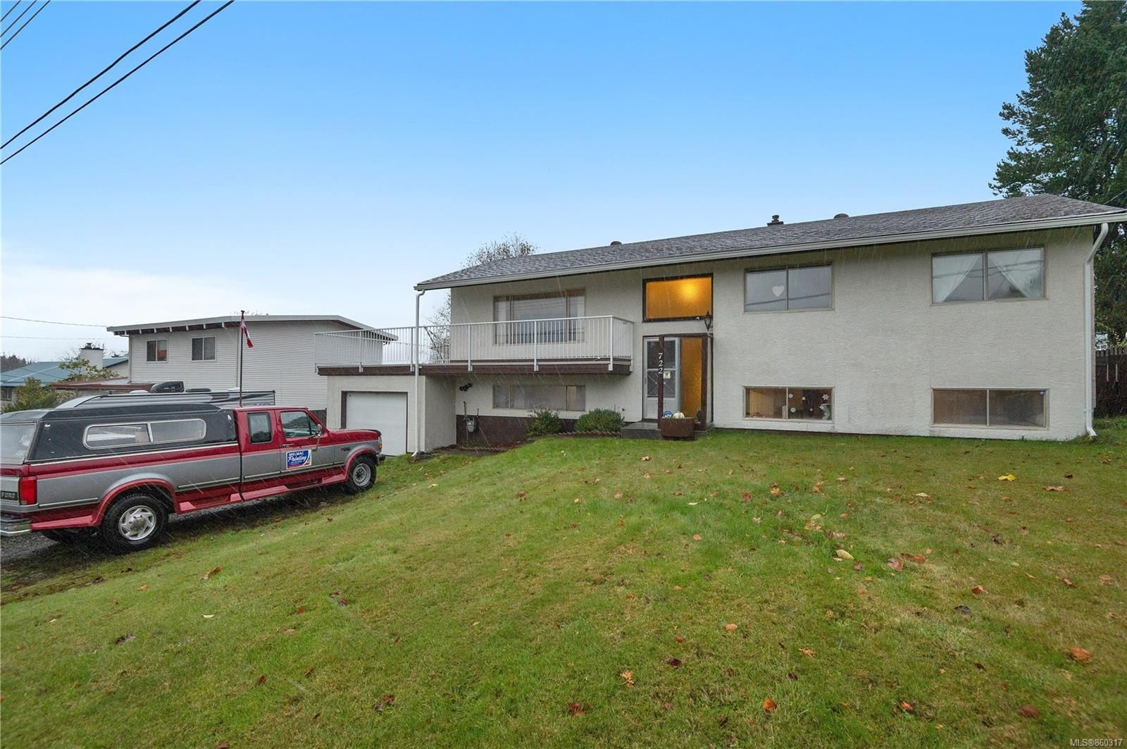 Main Photo: 722 Elkhorn Rd in : CR Campbell River Central House for sale (Campbell River)  : MLS®# 860317