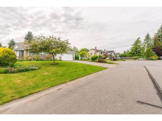 Photo 2: 1493 160A Street in White Rock: King George Corridor House for sale (South Surrey White Rock)  : MLS®# R2370241