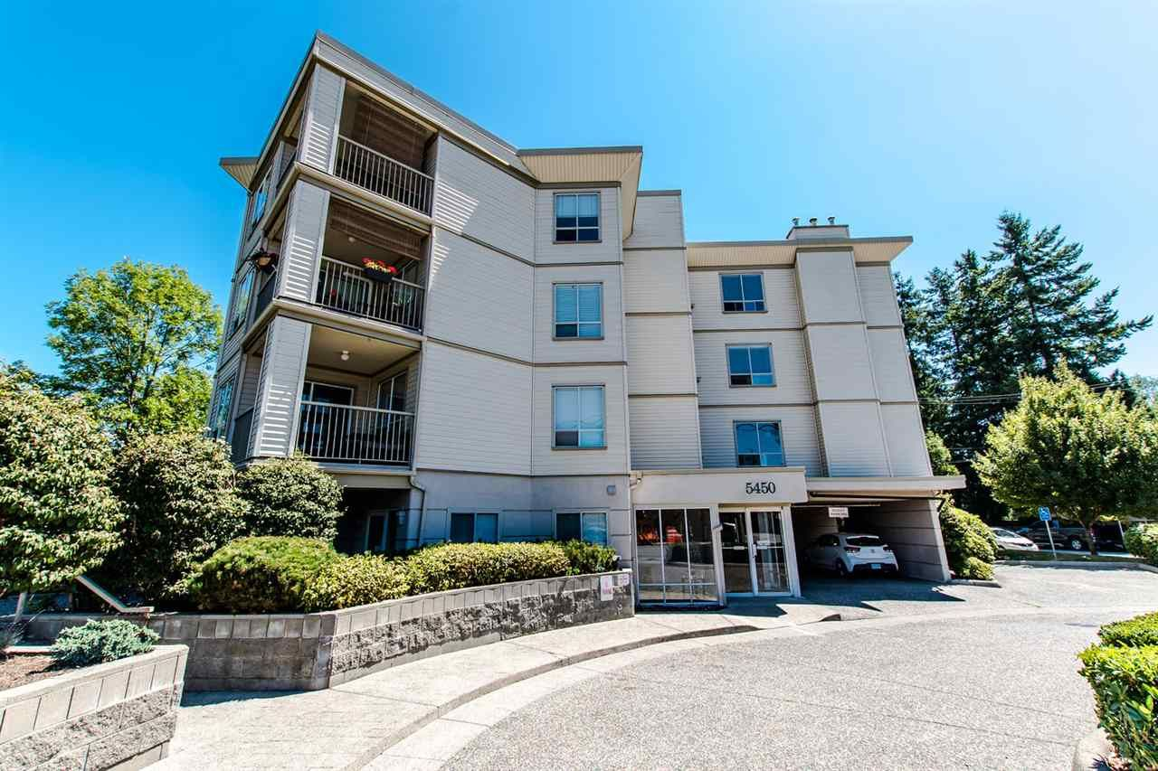 """Main Photo: 304 5450 208 Street in Langley: Langley City Condo for sale in """"Montgomery Gate"""" : MLS®# R2410335"""