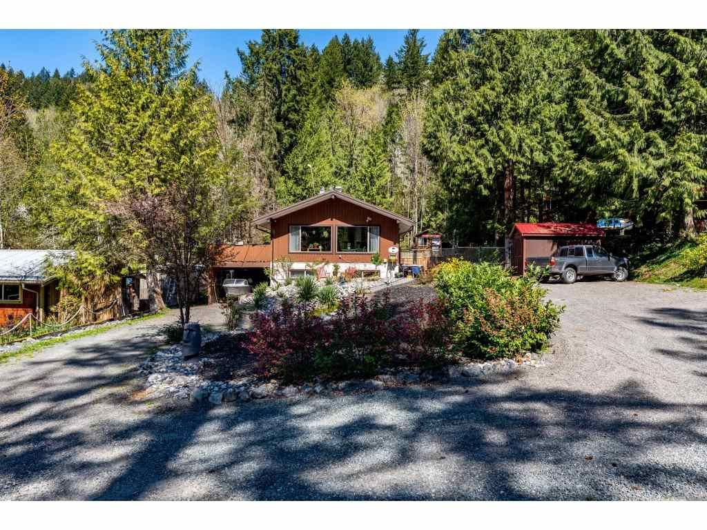 Main Photo: 50855 WINONA Road in Chilliwack: Chilliwack River Valley House for sale (Sardis)  : MLS®# R2570697
