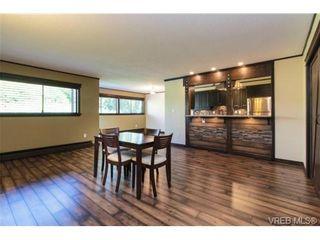 Photo 3: 208 1000 Esquimalt Rd in VICTORIA: Es Old Esquimalt Condo for sale (Esquimalt)  : MLS®# 736029