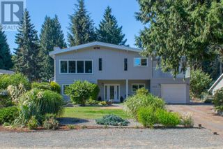 Main Photo: 1033 Centre Cres in Qualicum Beach: House for sale : MLS®# 883696