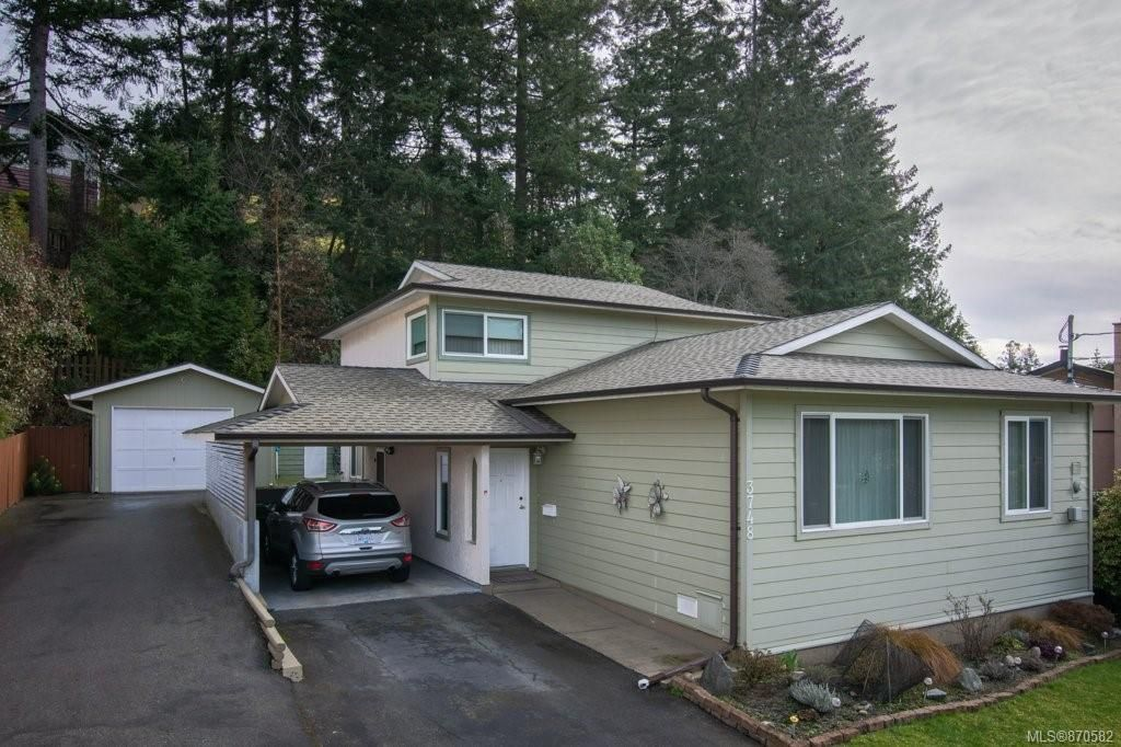 Main Photo: 3748 Howden Dr in : Na Uplands House for sale (Nanaimo)  : MLS®# 870582