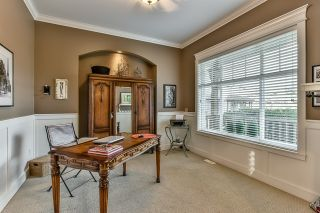Photo 10: 18568 66A AVENUE in Cloverdale: Home for sale : MLS®# R2034217