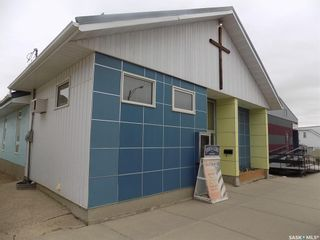 Photo 4: 126 130 4th Street Northeast in Weyburn: Commercial for sale : MLS®# SK873764
