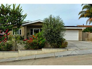 Photo 1: BAY PARK House for sale : 4 bedrooms : 1352 Dorcas Street in San Diego