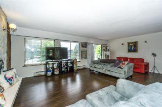 Photo 5: 15687 80 Avenue in Surrey: Fleetwood Tynehead House for sale : MLS®# R2333963