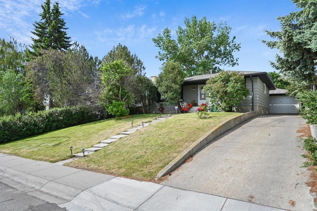 Main Photo: 7511 Hunterburn Hill NW in Calgary: Huntington Hills Detached for sale : MLS®# A1123613