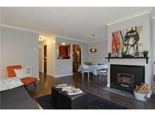 """Photo 2: 43 900 W 17TH Street in North Vancouver: Hamilton Townhouse for sale in """"FOXWOOD HILLS"""" : MLS®# V971777"""